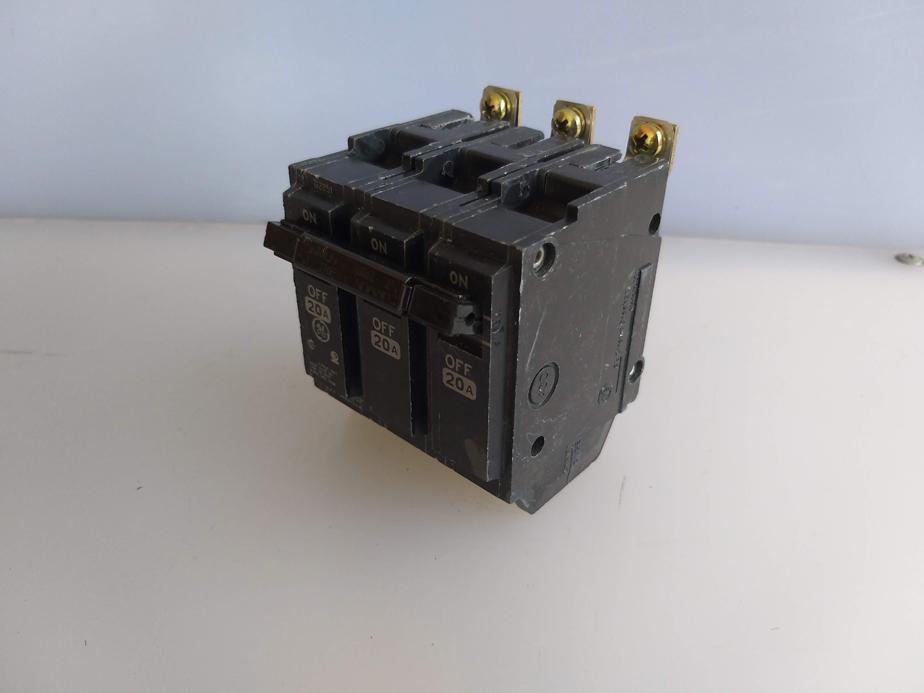 BREAKER RV-2937 THQB 20 AMP 120/240 V 3 P GENERAL ELECTRIC